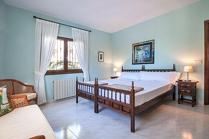 ausstattung villa costa blanca. Black Bedroom Furniture Sets. Home Design Ideas